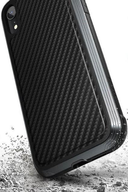 Клип-кейс X-Doria iPhone XR противоударный карбон Black x line xr 140